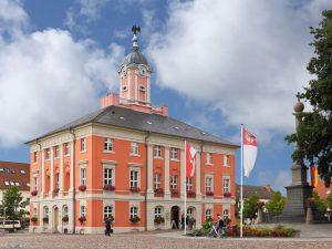 Das barocke Rathaus in Templin in der Uckermark. Bildquelle: shutterstock.com