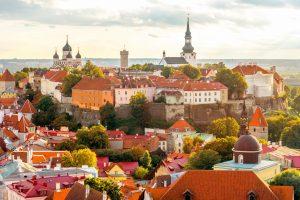 Vom Turm der Olaikirche aus hat man einen wunderbaren Blick über Tallin. Bildquelle: shutterstock.com