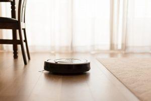 Es gibt inzwischen eine Vielzahl an technischen Hilfsmitteln, die ein langes Leben im eigenen Heim ermöglichen. Bildquelle: shutterstock.com