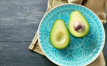 Avocados sind reich an Vitamin-E. Bildquelle: Shutterstock.com