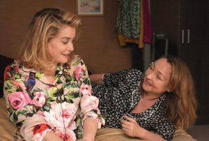 EIN KUSS VON BEATRICE. Beatrice und Claire, zwei Frauen, die unterschiedlicher nicht sein könnten. Quelle: © 2012 UNIVERSUM FILM GMBH