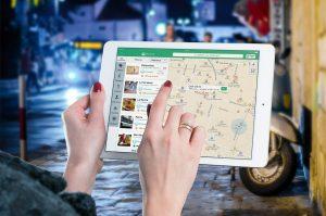 Das Internet bietet inzwischen eine Vielfalt an tollen Vermietungsplattformen für Ferienwohnungen. Bildquelle: Pixabay.de