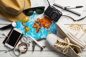 Wenn einer eine Reise tut, dann kann er was erleben! Wichtig ist jedoch die richtige Auswahl der Reiseutensilien. Bildquelle: shutterstock.com