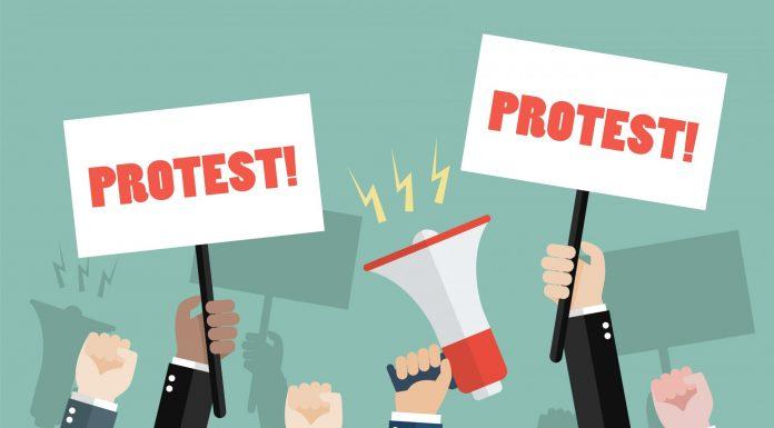 Früher ging man auf die Strasse, heute unterschreibt man eine Online-Petition im Internet. Bildquelle: shutterstock.com