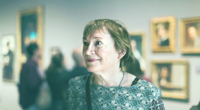 Kunst kann einen besonderen Zugang für an Demenz erkrankte Menschen eröffnen. Bildquelle: shutterstock.com
