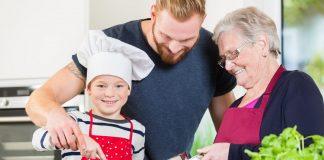 """""""Bei Oma schmeckt´s am besten"""", auch wenn es vielleicht nicht die eigene ist. Bildquelle: Fotolia.de"""