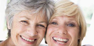 Eine neue Freundschaft ist keine Frage des Alters. Bildquelle: shutterstock.com