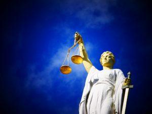 Wofür steht der Tag der Gerechtigkeit? Bildquelle: Pixabay.de