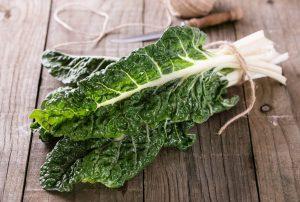 Jetzt im Juli kann wieder frischer Mangold geerntet werden. Quelle: shutterstock.com