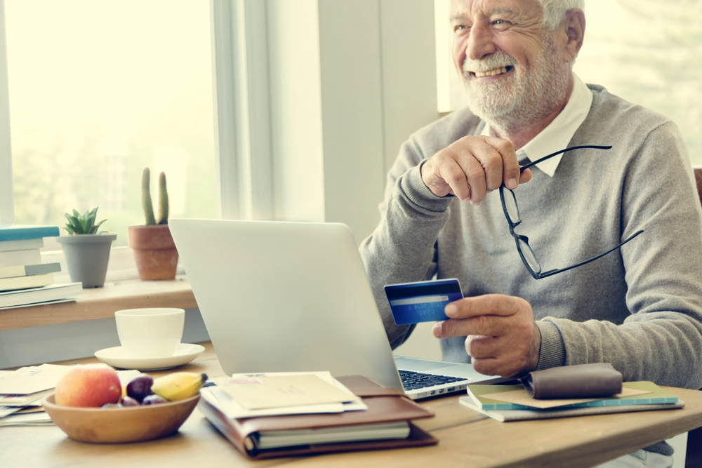 Besondere Situationen, bedürfen besonderer Lösungen. Onlinekredite sind schon längst kein Thema mehr nur für junge Leute. Bildquelle: © Shutterstock