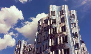 Gehry Bauten, Fernsehturm, Altstadt - Düsseldorf hat für jeden Geschmack etwas zu bieten. Bildquelle: Pixabay.de