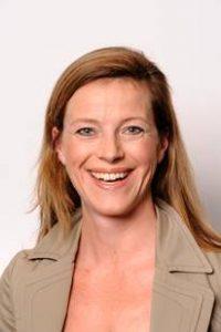 Julia Walla, Produktmanagerin von Orthomol Mental®, im Interview.