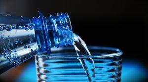 Ausreichend Flüssigkeit ist wichtig für unser Gehirn. Bildquelle: Pixabay.de