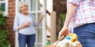 In den Niederlanden wird die Nachbarschaftshilfe zunehmend höher angesiedelt und aktiv unterstützt, in dem auch die Pflege über dieses prinzip erfolgt. Bildquelle: shutterstock.com