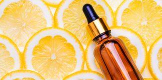 Das Auftragen eines Serums kann schon viel bewirken, um wieder frischer auszusehen. Bildquelle: shutterstock.com