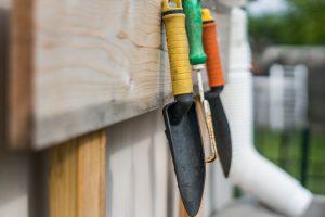 Das Eigenheim mit dem Garten war immer der Traum. Doch auf einmal bemerkt man wie einem zunehmend alles schwerer fällt. Bildquelle: Pixabay.de