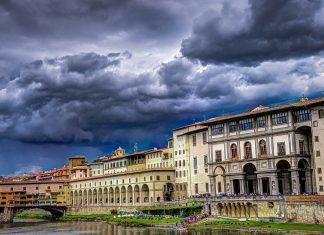 Die Ponte Vecchio gilt als eine der bekanntesten Brücken in Florenz. Bildquelle: Pixabay.de