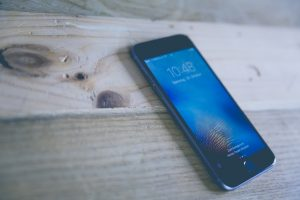 Das Telefonieren mit dem Smartphone ist seit kurzer Zeit europaweit deutlich günstiger geworden. Bildquelle: Pixabay.de