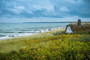 Die Ostseeküste hat für jeden Geldbeutel etwas zu bieten und ist wunderschön. Bildquelle: Pixabay.de