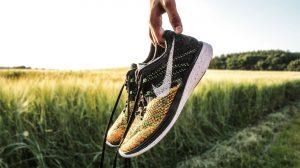 """""""Nike""""-Schuhe sind auch von den deutschen Straßen nicht mehr wegzudenken. Bildquelle. pixabay.com"""