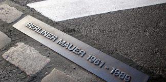 Der Tag der Deutschen Einheit erinnert an Mauerfall am 03. Oktober 1989. Bildquelle: shutterstock.com