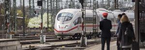 Wenn man viel Zeit hat und ausreichend im Voraus planen kann, ist auch die Deutsche Bahn immer wieder eine Alternative. Bildquelle: Deutsche Bahn AG / Pablo Castagnola