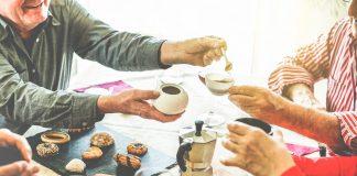 Neue Begegnungen sind immer eine bereicherung im Leben. Seien Sie also offen und machen Sie mit! Bildquelle: shutterstock.com