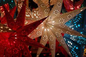 Die Vorweihnachtszeit mit all der Beleuchtung ist eine wahre Wohltat in der dunklen Jahreszeit. Bildquelle: Pixabay.de