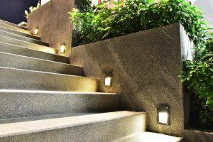 Gute und durchdachte Beleuchtung ist in jeder Mietwohnung oder in jedem Eigenheim umsetzbar. Bildquelle: shutterstock.com