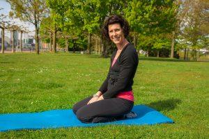Unsere Fitnessexpertin zeigt Ihnen gemeinsam mit Orthomol Mental® wie Sie ihren Körper und damit den Geist fit machen können. Bildquelle: 59plus GmbH
