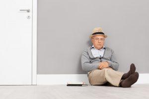 Fühlen Sie sich zur Zeit auch häufiger müde und matt? Dann liegt das vielelicht an der dunklen Jahreszeit. Bildquelle: shutterstock.com