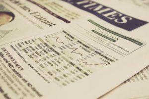 Die aktuellen Kurse der Aktien oder Anleihen können jederzeit online abgerufen werden oder erscheinen in den gängigen Tageszeitungen. Bildquelle: Pixabay.de