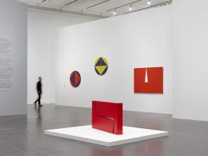 In der Kunstsammlung NRW sind die Werke der Künstlerin aktuell zu sehen. Bildquelle: Achim Kukulies ©Kunstsammlung NRW und ©Carmen Herrera