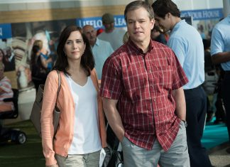 Downsizing: Audrey (Kristen Wiig) und Paul (Matt Damon) planen ein Leben in der geschrumpften gesellschaft Leisureland. Quelle: © 2017 Paramount Pictures. All Rights Reserved