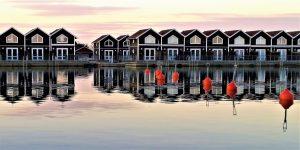 Ein Feriendomizil direkt am Wasser ist in Skandinavien keine Seltenheit. Bildquelle: Pixabay.de