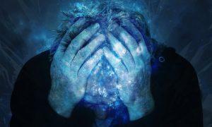 Bei dauerhaft anhaltenden Schmerzen speichert das Gehirn den Schmerz ab. Bildquelle: Pixabay.de