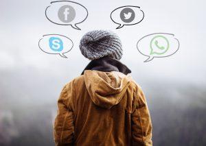Auch WhatsApp oder Facebook bieten inzwischen Teile von Skype an. Bildquelle: Pixabay.de