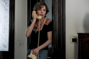 Die Kidnapper fordern von Gail Getty (Michelle Williams) 17 Millionen Dollar Lösegeld für ihren Sohn. Quelle: Alles Geld der Welt Filmplakat. Quelle: TOBIS Film GmbH ©2017 ALL THE MONEY US, LLC. ALL RIGHTS RESERVED.
