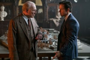 Christopher Plummer (links) und Mark Wahlberg in ALLES GELD DER WELT. Quelle: Alles Geld der Welt Filmplakat. Quelle: TOBIS Film GmbH ©2017 ALL THE MONEY US, LLC. ALL RIGHTS RESERVED.