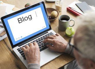 Heinz Schmalenbach hat mit 66 Jahren begonnen seinen eigenen Blog zu entwickeln und hält seitdem Jung und Alt fit im Kopf. Bildquelle: shutterstock.com