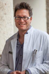 Prof. Dr. med. Sven Gottschling setzt sich als Palliativmediziner für das Leben bis zuletzt ein. Bildquelle: Walter Breitinger