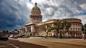 Im Zentraum von Havanna liegt das Kapitol, das dem in Washington erstaunlich ähnlich sieht. Bildquelle: Pixabay.de