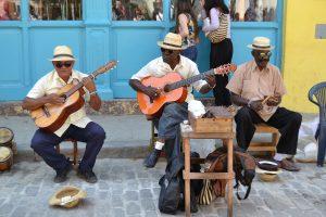 Musik spielt eine zentrale Rolle und ist fast überall auf den Straßen zu hören. Bildquelle: Pixabay.de