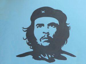 Graffitti´s wie dieses von Che Guervara sind überall in der Stadt zu finden. Bildquelle: Pixabay.com