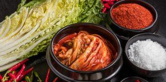 Besonders die Auswahl der Gewürze machen den beonderen Geschmack von Kimchi aus. Bildquelle: shutterstock.com