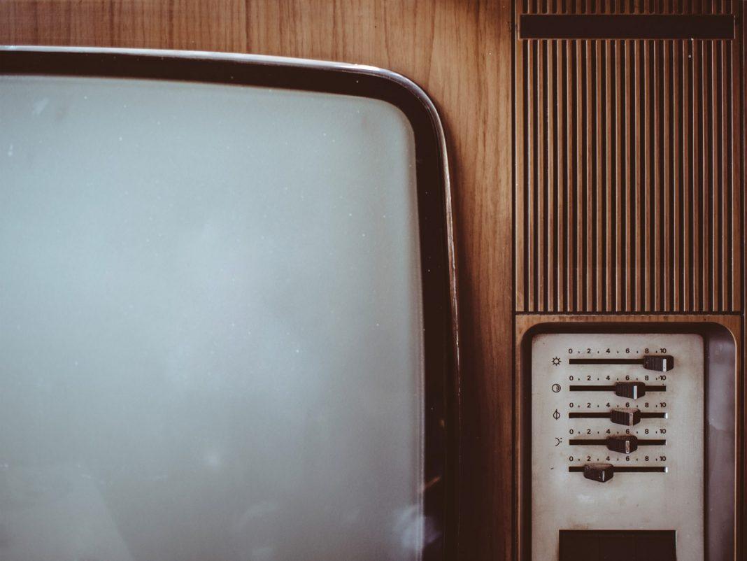 Die guten alten Zeiten der drei Programme sind vorbei. Inzwischen können wir sogar über die Mediathek jederzeit nahezu alle Filme abrufen. Bildquelle: © Pawel Kadysz / Unsplash.com