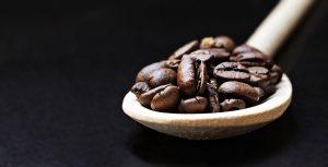 Ein beliebtes und hoch geschätztes Mitbringsel von Big Island ist der dort angebaute Kaffee. Bildquelle: Pixabay.de