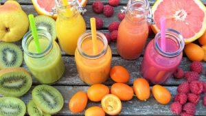 Ob als Smoothie oder im Obstsalat, die Kiwi ist aus unserem Obstsortiment nicht mehr wegzudenken. Bildquelle: Pixabay.de