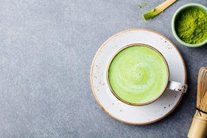 Gilt als super gesund und ist in Asien schon lange verbreitet - der Matcha Tee. Bildquelle: shutterstock.com