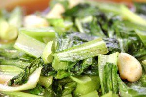Angebraten und lecker gewürzt ist der Kohl eine großartige Gemüsebeilage zu Fisch- und Fleischgerichten. Bildquelle: shutterstock.com
